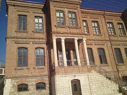 Το παλαιό κτήριο που στεγαζόταν το σχολείο.